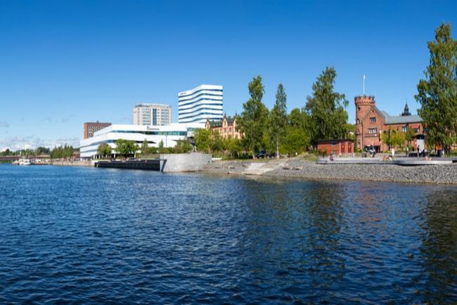 Vy över Umeå sett från Umeälven