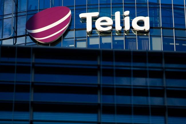 Telias logga på en glasvägg