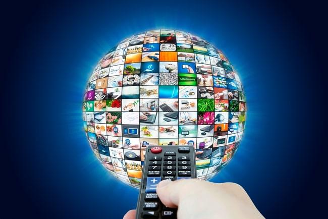 tv-dosa riktad mot sfärisk multimediasändning